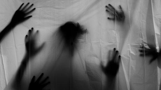 Des fantômes sur les scènes de théâtre: quels intérêtspour le public