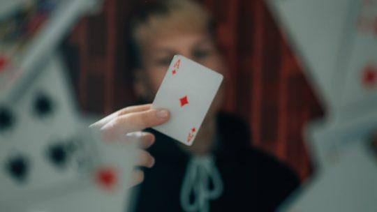 En quoi consiste en Pyrénées-Atlantiques la prestation d'un magicien close-up